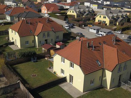 Großkrut. Ab Februar 2022: Geförderte 3 Zimmer Maisonette | Garten | Miete mit Kaufoption.