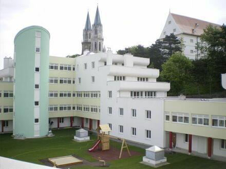 Klosterneuburg. PROVISIONSFREIE Terrassenwohnung | 4 Zimmer | Befristete Miete.