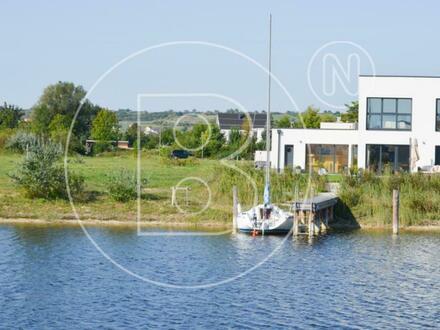 Neuwertiges Haus am (Neusiedler) See mit privatem Bootssteg!
