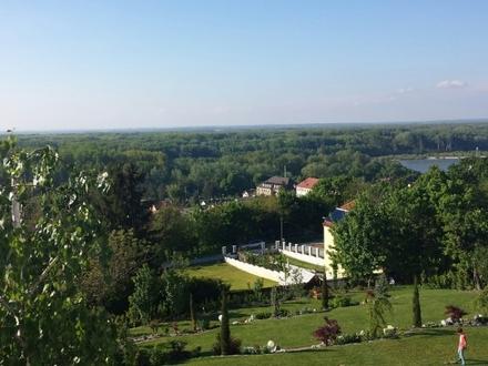 Grundstück in Hainburgs Bestlage- Fernblick !