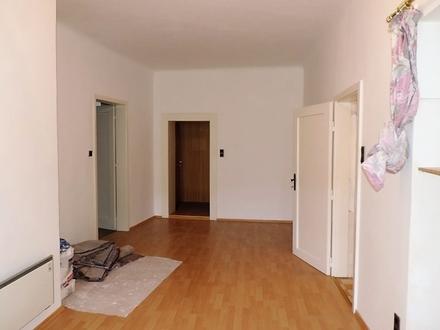 4-Zimmer Wohnung mit großer Terrasse und Ausblick auf den Hauptplatz