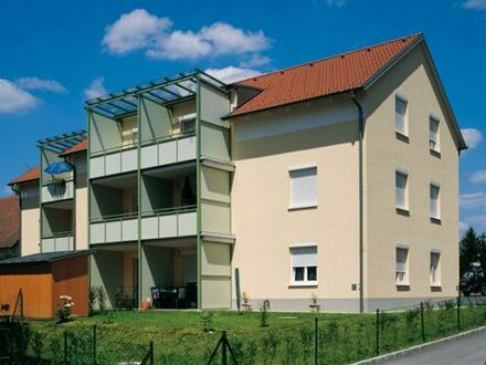 Sonnige 3-Zimmer-Wohnung mit Loggia
