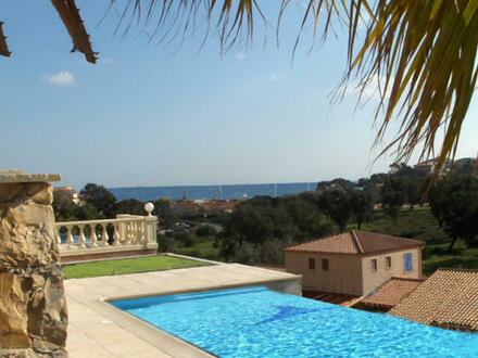 Frankreich - Cote d'Azur: Elegante Villa mit Pool und unverbaubarem Meerblick