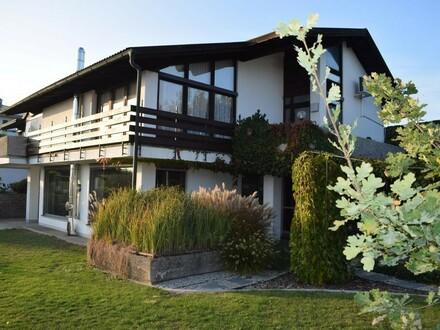 Tolle Lage - Architektenhaus im WEG