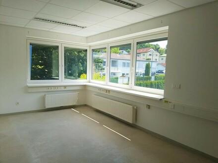 Zentral gelegene Praxis/Bürofläche in Schönering