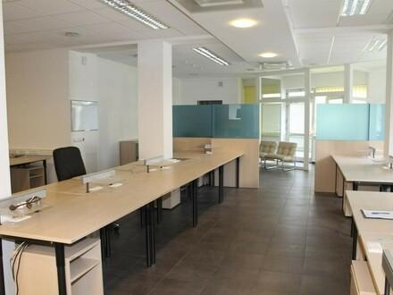 Sehr schöne, zentral gelegene Büroräume