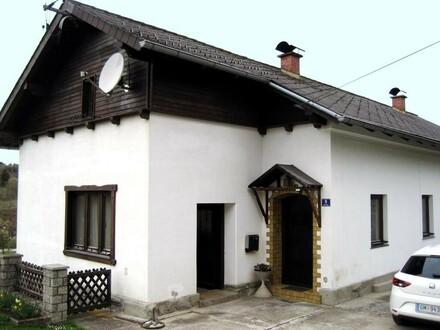 Älteres Wohnhaus zw. Pinsdorf u. Ohlsdorf