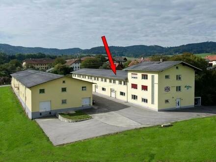 Halle und Büro