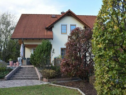 Charmantes und gepflegtes Wohnhaus