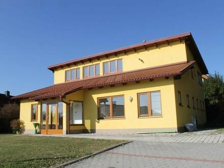 Prominente Lage, Gebäude als Einfamilienhaus adaptierbar
