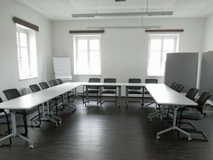 Praxis - Büro - Therapieräume