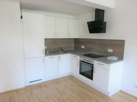 Freundliche 2-Zimmer Mietwohnung mit möblierter Küche
