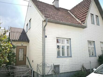 Einfamilienhaus mit herrlichem Garten, Terrasse und Garage