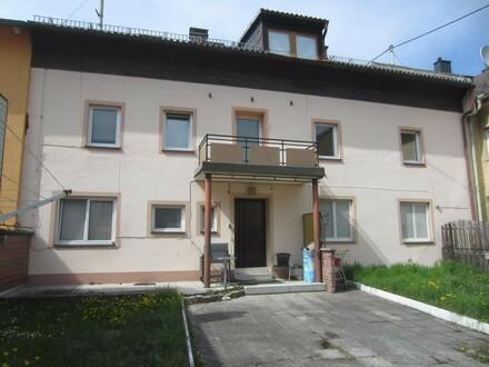 Mehrparteien-Wohnhaus / Zinshaus
