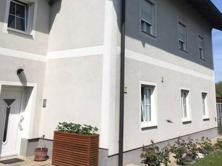 Sehr gepflegtes Einfamilienhaus mit 2 Wohneinheiten in beliebter Wohngegend