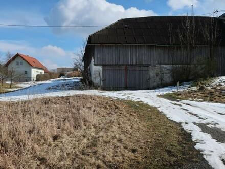 Baugrundstück mit altem Gebäudeteil
