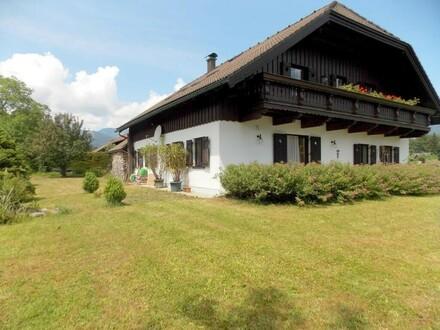 Großzügiges Ein-oder Zweifamilienhaus in Strobl