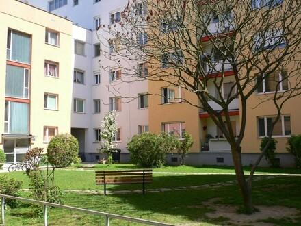 Großzügige Mietwohnung mit Loggia und Garagenstellplatz