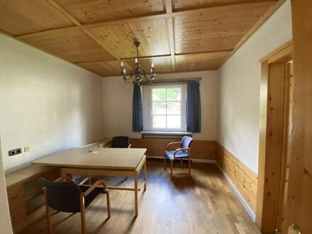 Büro im Erdgeschoss direkt im Zentrum