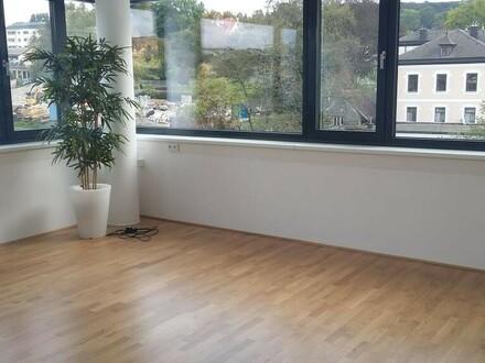 Büro/Praxis-Raum