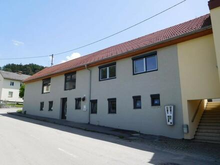 Wohnhaus mit Gartengrundstück