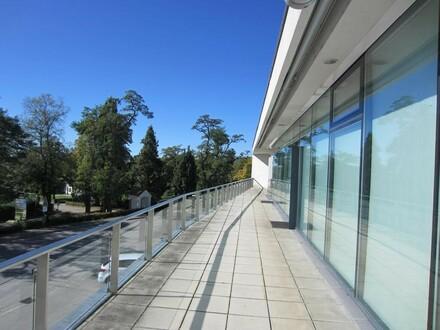 Lichterfüllte Bürofläche in eindrucksvollem Gebäude