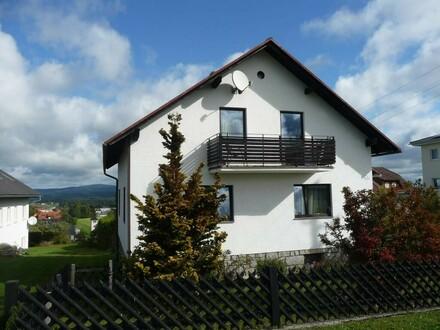 Kleines, sanierungsbedürftiges Haus in wunderschöner Aussichtslage