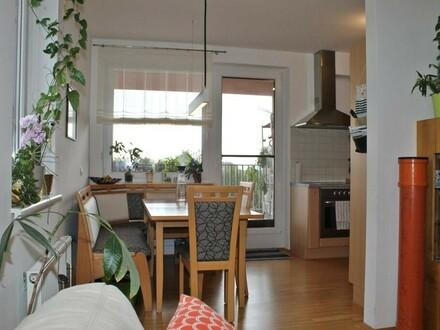 Sehr schöne 3-Zimmerwohnung mit Loggia in zentraler Lage