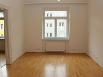 Helle 4-Zimmer Wohnung in zentraler Lage inklusive Küche