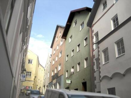 Renovierungsbedürftiges Stadthaus