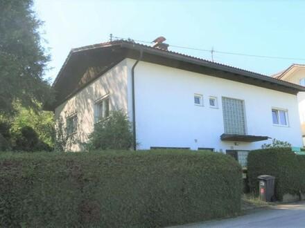 Wohnhaus mit großem Garten in ruhiger Lage