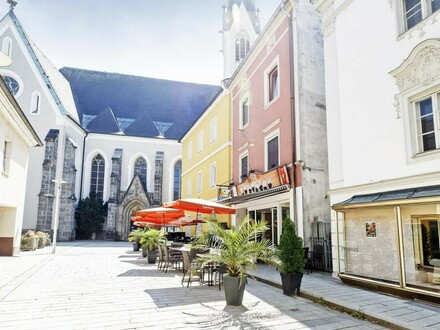 Traditionelles Café in sehr guter Lage