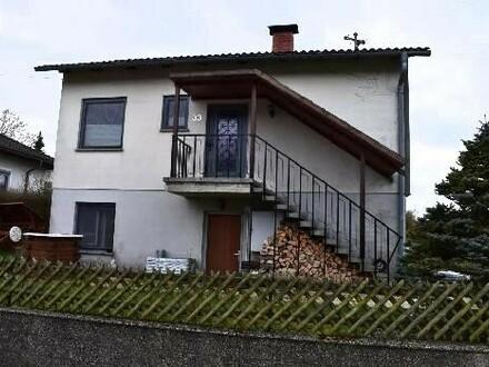 Kleines Wohnhaus mit Garten