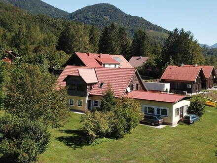 Wohnhaus mit großem Grundstück in ruhiger und sonniger Siedlungsrandlage