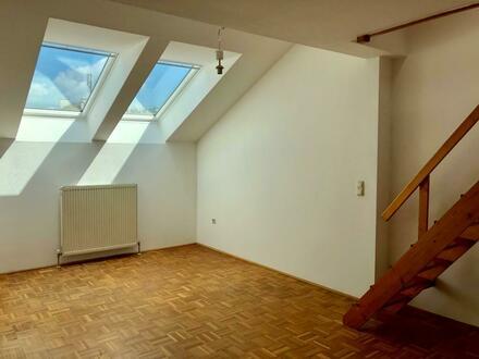 Dachgeschosswohnung - zentral in Linz!