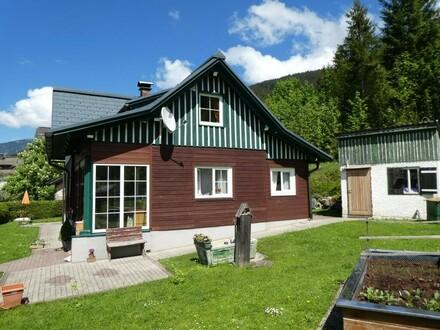 Idyllisches 120 m² Holzhaus mit Blockhaus