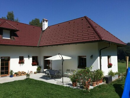 Landhausidyll - Exquisites Wohnhaus mit viel Grund