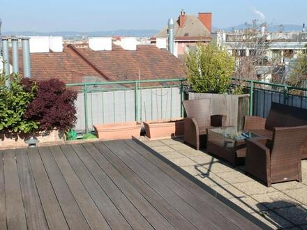 Modern möbliertes Dachgeschoßmaisonette mit Panorama-Terrasse
