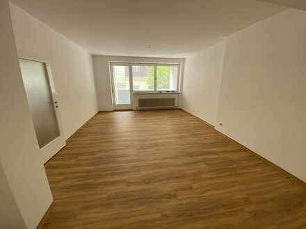 große Mietwohnung mit Loggia im Zentrum von Linz, ideal für WG's