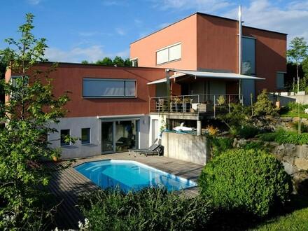 Modernes Passivhaus mit Aussicht