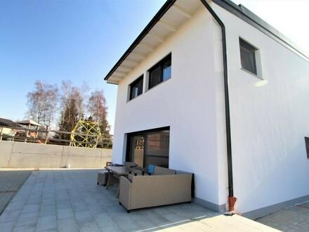 Neubau in sonniger Lage - Redleiten!