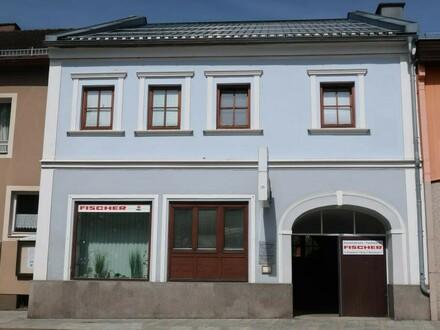 Markthaus mit Geschäfts-/ Wohnfläche und Lager