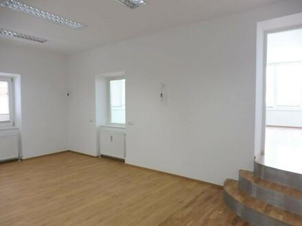 Attraktive Büro- oder Praxisräume im Zentrum