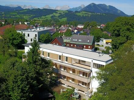 Sonnenhaus Ansicht mit Gebirge GP