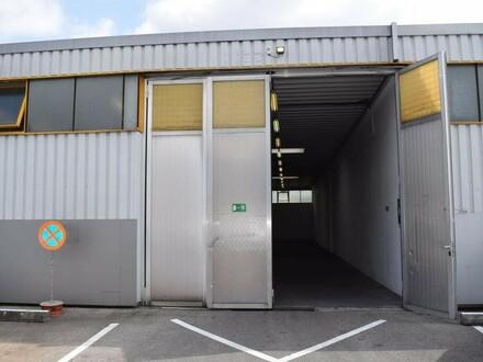 Halle mit Bürocontainer