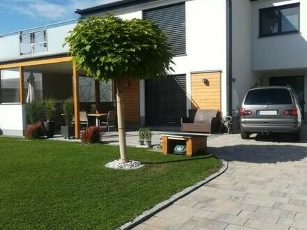 Neuwertiges Einfamilienhaus in Stadtnähe