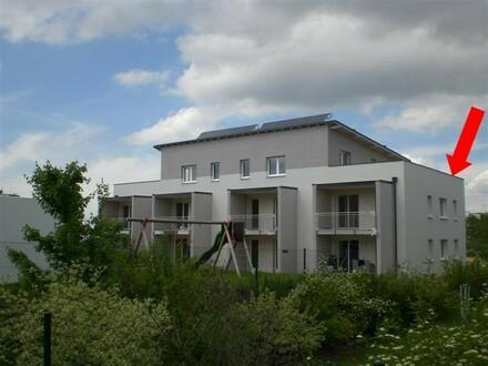 Dachterrassenwohnung mit Carport