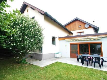 Gepflegtes Wohnhaus mit Einliegerwohnung und Garten in Oberregau!