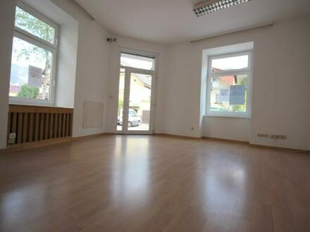 65 m² Büro/Praxis/Geschäft