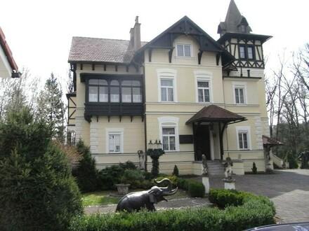"Jagdschloss Erzherzog Johann ""Glögglhof"""